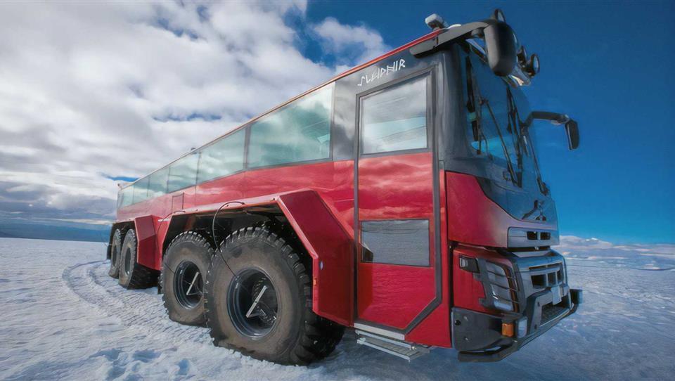 آفرود با اتوبوس Sleipnir در طبیعت یخی ایسلند
